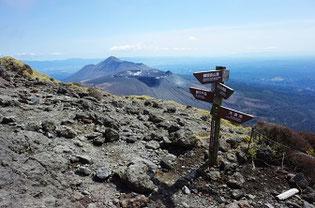 霧島山韓国岳から見た高千穂峰