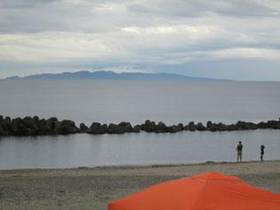 粟島が綺麗に見えました