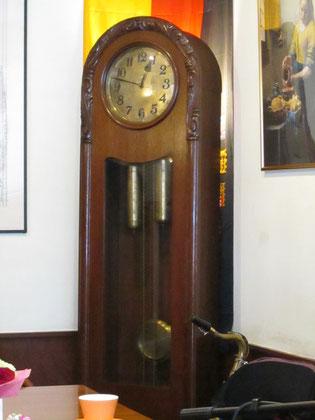 ドクター可児の象徴だと思っています ドイツから海を越えてやってきた大時計は、百年以上経った今日も変わらず時を刻んでいます