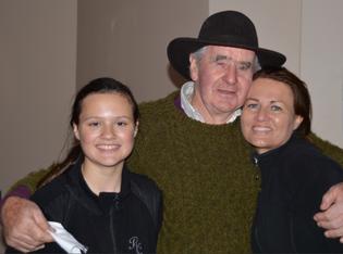 Autorin Maria Burges besuchte Willie mit Tochter Shannon