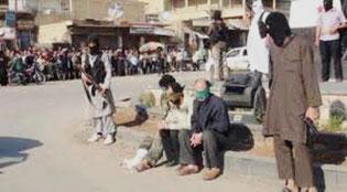 IS fanger i byen Rakka der venter på deres henrettelse