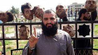 Macabro. Musulmano si rivolge a Dio.