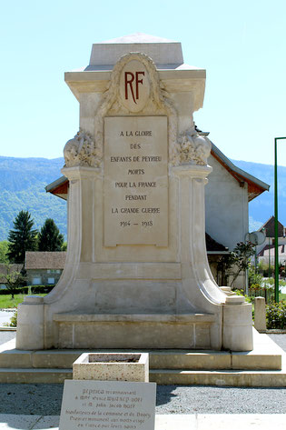 1er Monument aux Morts de l'Ain [Peyrieu] inauguré le 23 novembre 1919