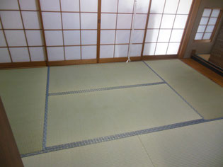 畳と一緒に障子も張替え!お部屋の印象がパッと変わります