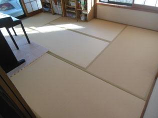 畳らしく見えない畳,セキスイ樹脂畳美草(みぐさ)色名:ライトイエロ