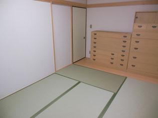 畳床も新しく セキスイ美草 引き目グリーン 襖(ふすま)上新鳥の子タイプも一緒に張替え★