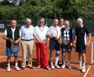Herren 75 mit OS Edwin Jager (im Hintergrund)