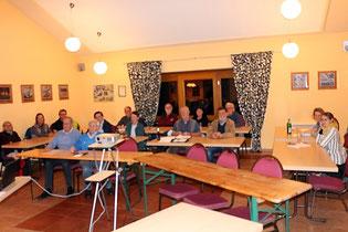 Versammlung in der Mühlenscheune Lübberstedt