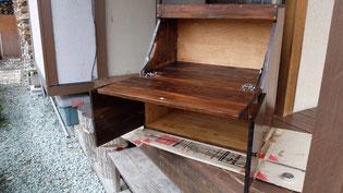 廃材を利用した手つくり家具第1弾(ライテイングデスク)