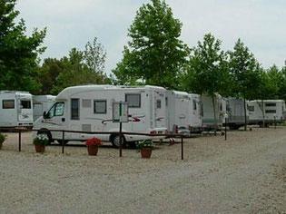 Area attrezzata camper caravan Alghero-I Platani