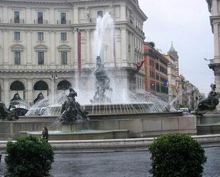 Фонтан Наяд в Риме площадь Республики фото