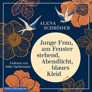 Junge Frau, am Fenster stehend, Abendlicht, blaues Kleid von Alena Schröder - Hörbücher zum Wohlfühlen und Glücklichsein