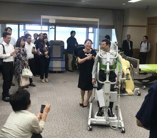 日本ノーリフト協会 保田代表理事   東京大学 淺間教授