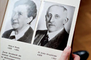Starke fachliche und finanzielle Säule für den Krefelder Frauenverein: Dr. Isidor Hirschfelder               Foto: Simon Erath