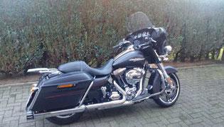 4.) Harley Davidson Street Glide FLHXS
