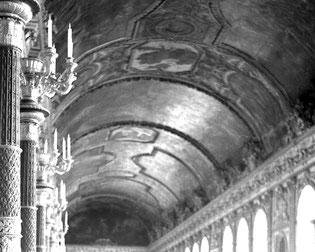 der berühmte Spiegelsaal von Schloss Versailles