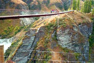 mit grossem Herzklopfen wagte ich mich auf die Pipeline-Bridge