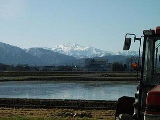 雪国の雄大な自然環境が、稲造米を育みます