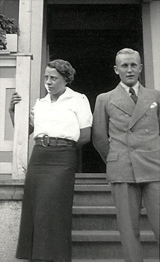 Der Pächter Caspar Voss und seine Ehefrau (Foto um 1935)