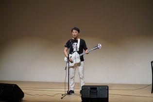 松本恒平,骨盤ギター