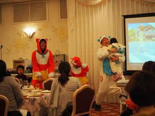 キレッキレのダンスで観客を魅了する パパドクター2人とそのお子様達