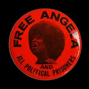 Button der Free-Angela-Kampagne, etwa 1970