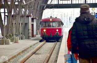 """Einfahrt """"unseres Zuges"""" in den Hauptbahnhof Leipzig"""