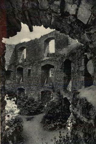 Burg 1941 gelaufen