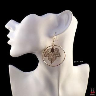Boucles d'oreilles pendantes créoles rondes avec feuilles dorées