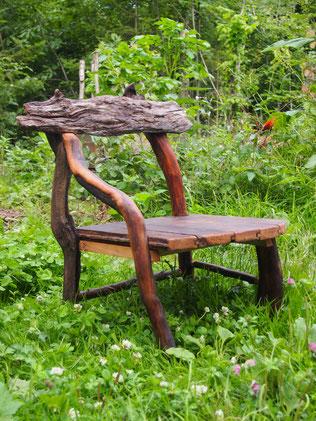 petite chaise en bois flotté réalisé pour une enfant de 5 ans