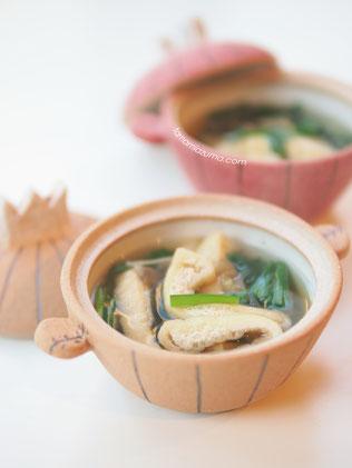 「にらとザーサイと焼きお揚げのスープ」ミニミニ土鍋