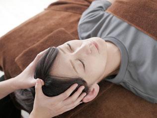 頭痛、左首肩こりの原因はアゴやカカトのゆがみから