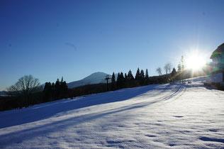 あと半月もすれば、多くのシュプールが雪面に描かれる