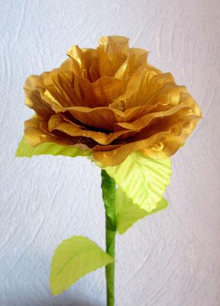 Rose blanche avec des pétales prédécoupées acheter sur le net
