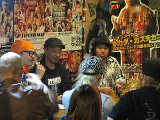 (左から)MC:天野宇空、GUNSO選手、内田祥一選手