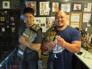 (左から)伊東竜二選手、岡林裕二選手