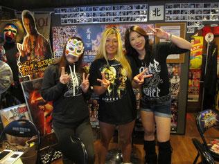(左から)フェアリー日本橋選手、山下りな選手、桜花由美選手
