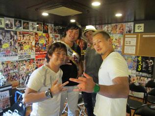 (左から)中島洋平選手、宮原健斗選手、潮崎豪選手、鈴木鼓太郎選手
