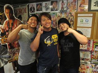(左から)彰人選手、HARASHIMA選手、ヤスウラノ選手