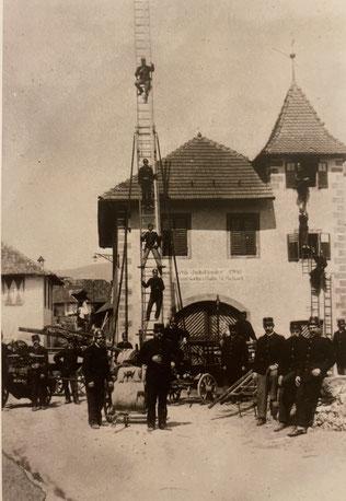 Mannschafts- und Geräteaufstellung zum 60. Regierungsjubiläum Kaiser Franz Josephs 1. im Jahre 1908