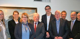 Vertragsunterzeichnung im Rathaus Husum u.a. mit Vertretern der LüneCom, Herrn Krause (BKZSH) und Bürgermeister Jürgen Feddersen