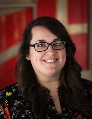 Nicole Mallett • Designer / Brand Builder