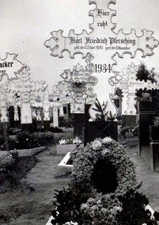 Vor 85 Jahren hatten die Friedhöfe bei uns ein ganz anderes Aussehen. Alles ändert sich halt.