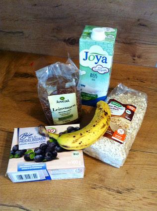 Zutaten für einfache, vegane, glutenfreie blueberry pancakes