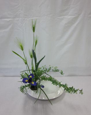 2013.3.18 花材の特徴を生かして自由にいけてみました。  by Kazuさん