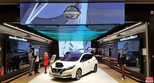 Showroom Nissan dans le centre commercial Vélizy 2.
