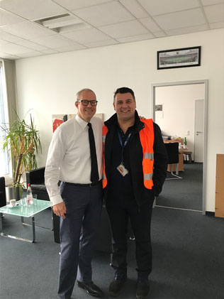 Patrik Tschirch, CEO LUG (standing left) and Duty Officer Mato Filipovic  -  photo LUG