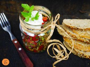 Linsen-Tomaten-Salat / Fetacreme