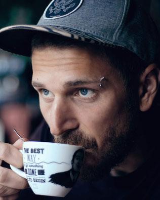 Kaffee trinken, Adriano Wasescha
