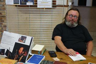 Gérard Gille est le responsable artistique de la Compagnie Sud axonaise Le Chien qui Miaule.